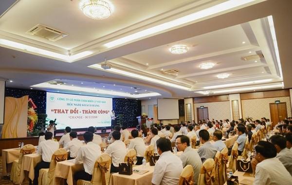 Tổ chức hội nghị khách hàng
